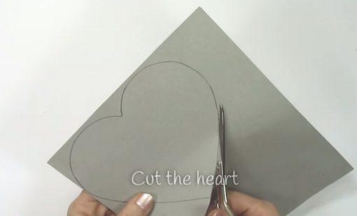 Cách làm hộp quà trái tim - Bước 1