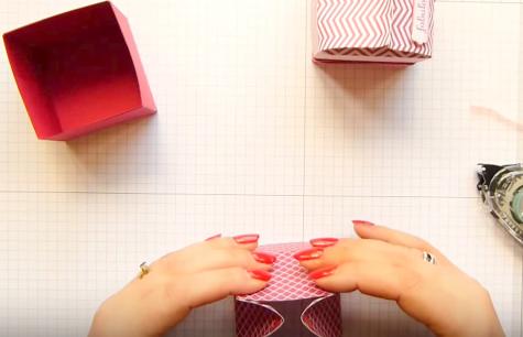 Cách làm hộp quà giấy hình vuông nắpvòm hình ngôi nhà - Mẫu 2