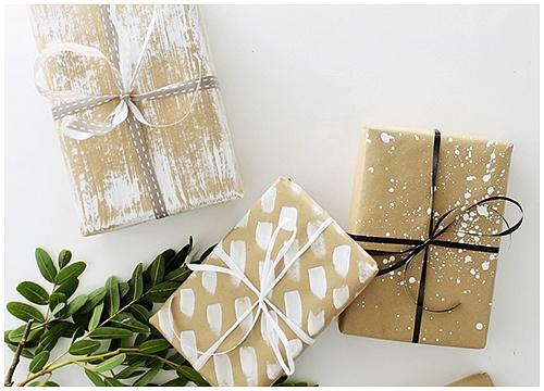 Sử dụng giấy nâu gói quà tạo nên những hộp quà đẹp