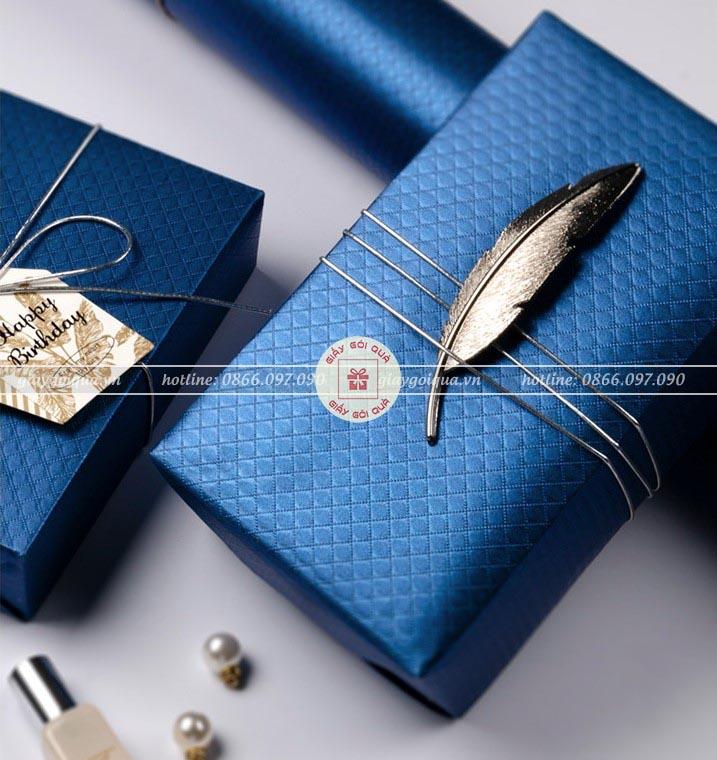 Giấy báo gói quà