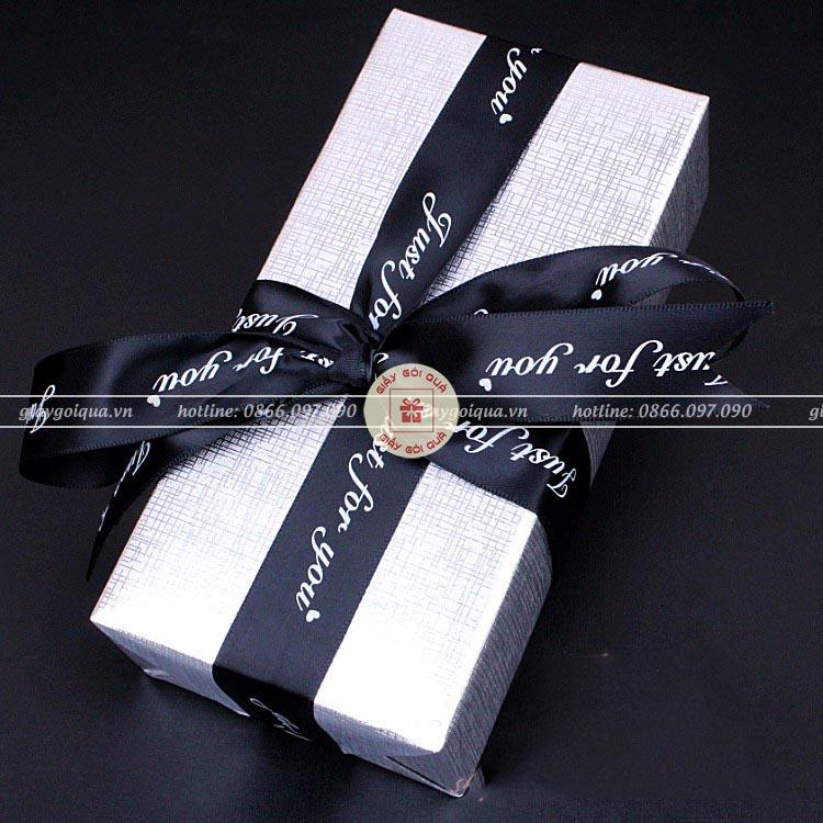 Tuyển chọn những mẫu hộp quà valentine ấn tượng nhất