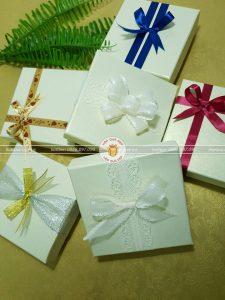 Mách bạn cách gói quà đẹp nhưng vô cùng đơn giản