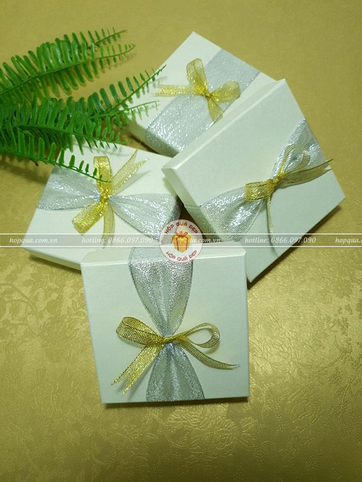 Hộp quà nhỏ, hộp quà tặng nhỏ HQ21 - Kích thước 10x10x3cm