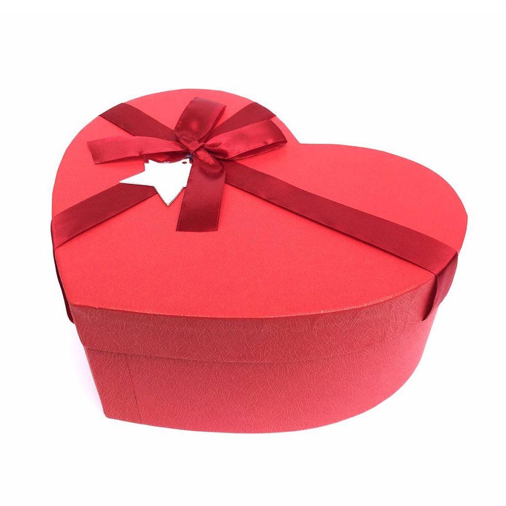 Một số mẫu hộp quà trái tim đẹp cho khách hàng tham khảo