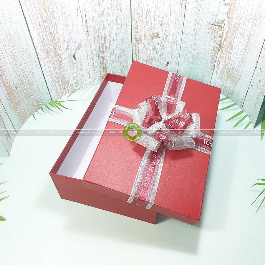 Hộp quà tặng chữ nhật size lớn 30x20x10cm - HQ26