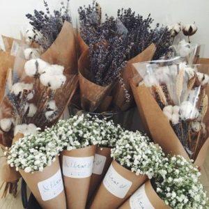 Tổng hợp 20+ mẫu gói quà bằng giấy báo đẹp lung linh