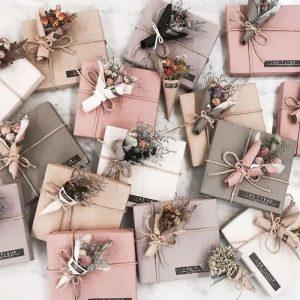 Hướng dẫn gói quà không cần băng dính đơn giản