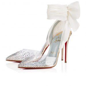 Tặng giày cho vợ