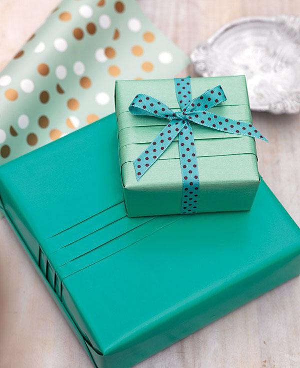 Gói quà nhanh không khó cùng với Hopqua.com.vn