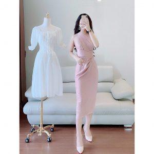Tự tay chọn nữa những bộ váy xinh cho nàng